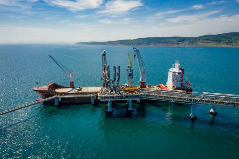 Loading arm replacement at Sakhalin